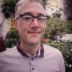 Senior Journalism Lecturer Barry Finnegan