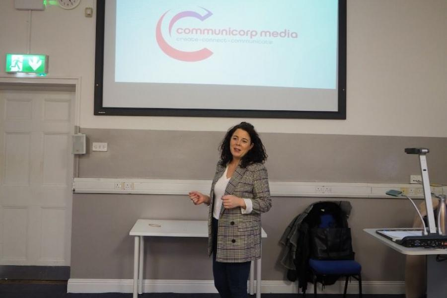 Róisín Reilly speaks to communications students