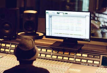 Study a music production course in Dublin